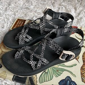 Chaco black and white sandals ZX/2 Classic